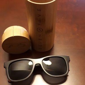 Polarized Glasses made of bamboo